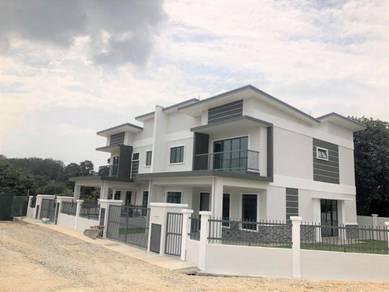Nearby Putrajaya Semi-D Freehold at Dengkil