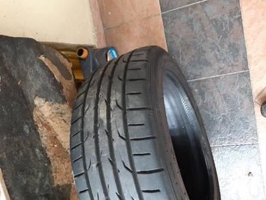 Dunlop tayar 17/225/45