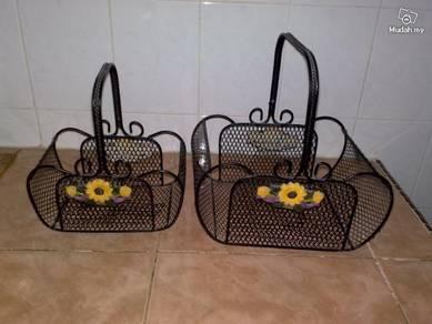 Vintage metal basket bakul besi