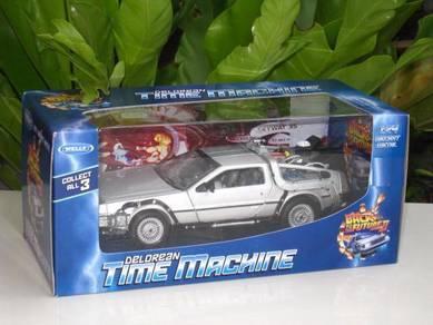 1/24 Delorean Time Machine Back To The Future II