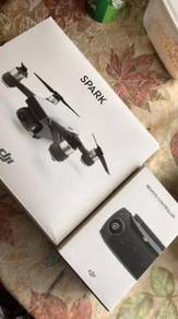Drone DJi Spark NIB with DJi Remote