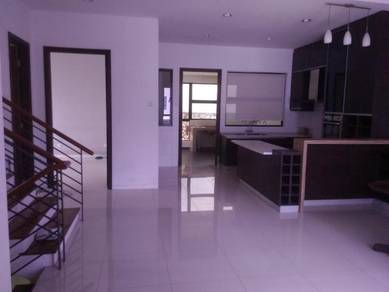2.5Sty semi D, Twin Palms, Sg Long,, Kajang. Good value