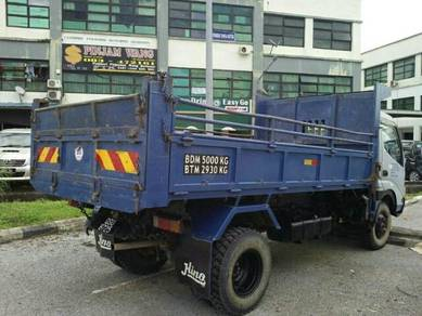 Lorry for sale.3tan