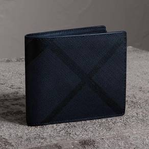 Burberry Wallet �Price Can Nego�