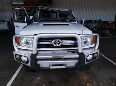 Toyota landcruiser vdj76 part scrap