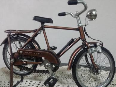 Basikal antik replica