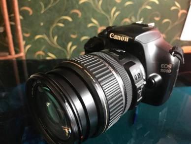 Camera canon DSRL model 1100D with Speedlite