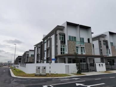 3 Storey Big Corner semi d Cluster House Taman Nusa Sentral 100% Loan