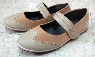 Ladies shoe/kasut wanita Carlo Rino