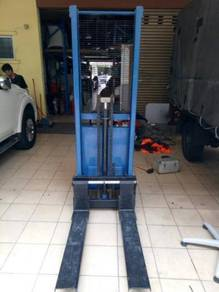 Battery powered lift trucks Code:BP-01