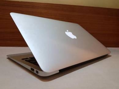 Macbook Air 11, (95% New)