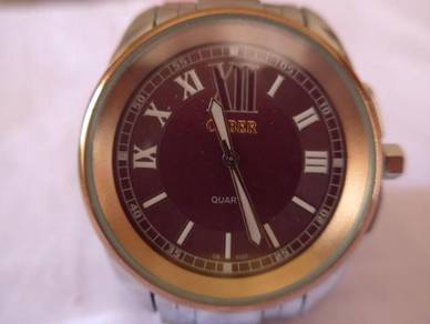 Cyber Quartz Large Round Light Brown Watch