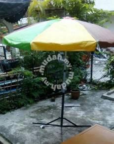 Payung menjaja