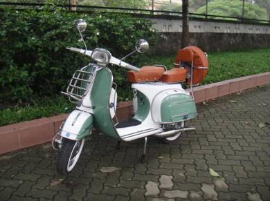 Classic 1966 Italian Vespa Sprint VLB 150