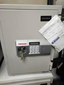 Japan Peti besi safe box safebox tabung masjid