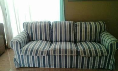 Kerusi sofa 3tempat duduk