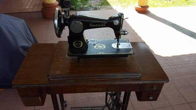 DUCATI SUNBEAM Sewing Machine singer duit levis
