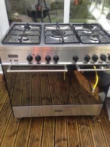 Delonghi LPG Gas top double Range Cooker