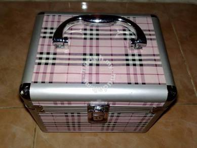 Kotak make up box