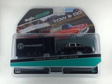 Maisto Tow & Go Porsche Cayenne & Car Trailer