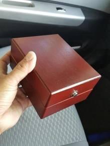 (B359) Vintage Solid Wood Glashutte Watch Box