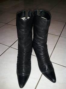 Women boots sz6