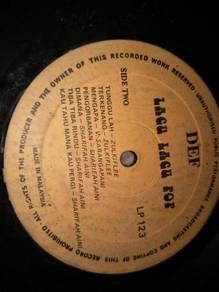 Piring Hitam LP Melayu lagu lagu pop