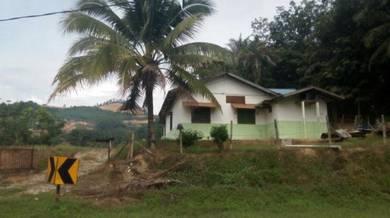 Rumah dan tanah tepi jalan utama serdang - parit buntar untuk dijual