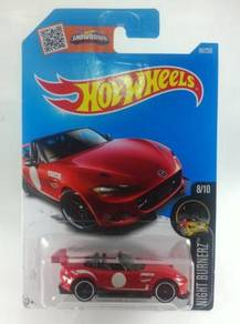 Hotwheels 2016 '15 Mazda MX-5 Miata #8 Red