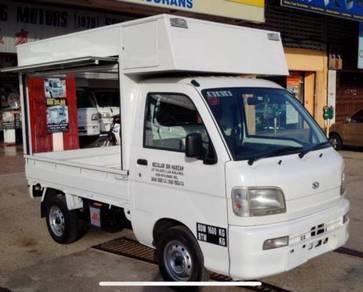 Daihatsu S210 food truck