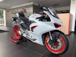 2021 Ducati Panigale V2 White Rosso