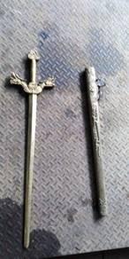 Antik pedang tembaga