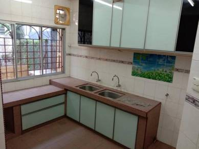 Bandar Menjalara 2 Storey Terrace 3R2B K/Cabinet Move in Condition