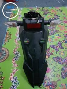 Under tail & signal Fz150i