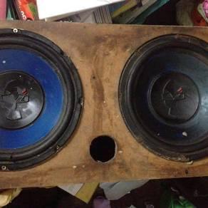 Mohawk woofer and radio 1 set