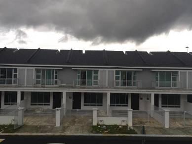 Scientex Senai Utama Rumah Baru Partial Furnished