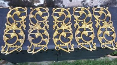 Decorative wall inserts-cast aluminium