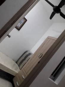 Room Stay : (Rumah Teres 2 tingkat) Seri Kembangan