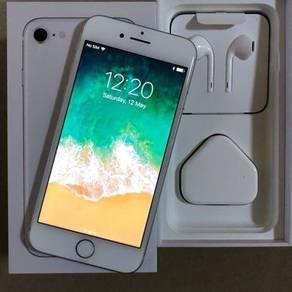 Iphone 8, silver , 256GB , warranty
