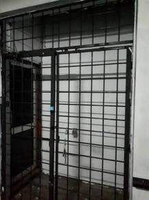 Sejingkat office unit for sale