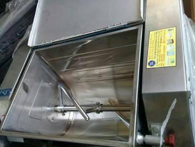Mesin pegandun tepung 25kg