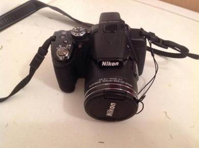 Nikon SLR Digital Camera Coolpix P530 with bag