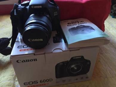 Camera Canon EOS600D