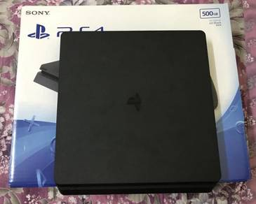 PS4 SLIM 500GB full set with 4 games