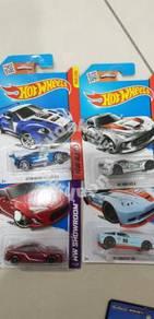 Hotwheels lot of 4