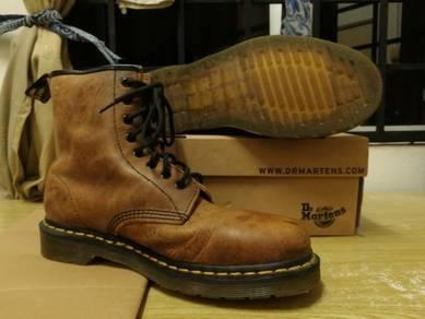 Kasut / Shoe
