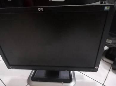 17inci LCD,.komputer ada banyok,commei belaka