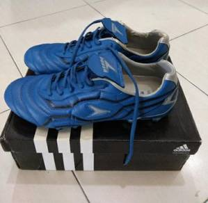 Kasut bola Power size 10