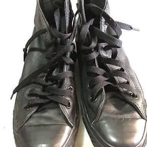 Converse hi cut shoes