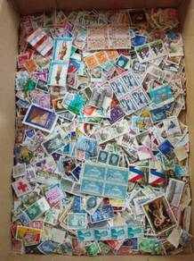Old Stamps Collection 2000 pcs stamps in lot